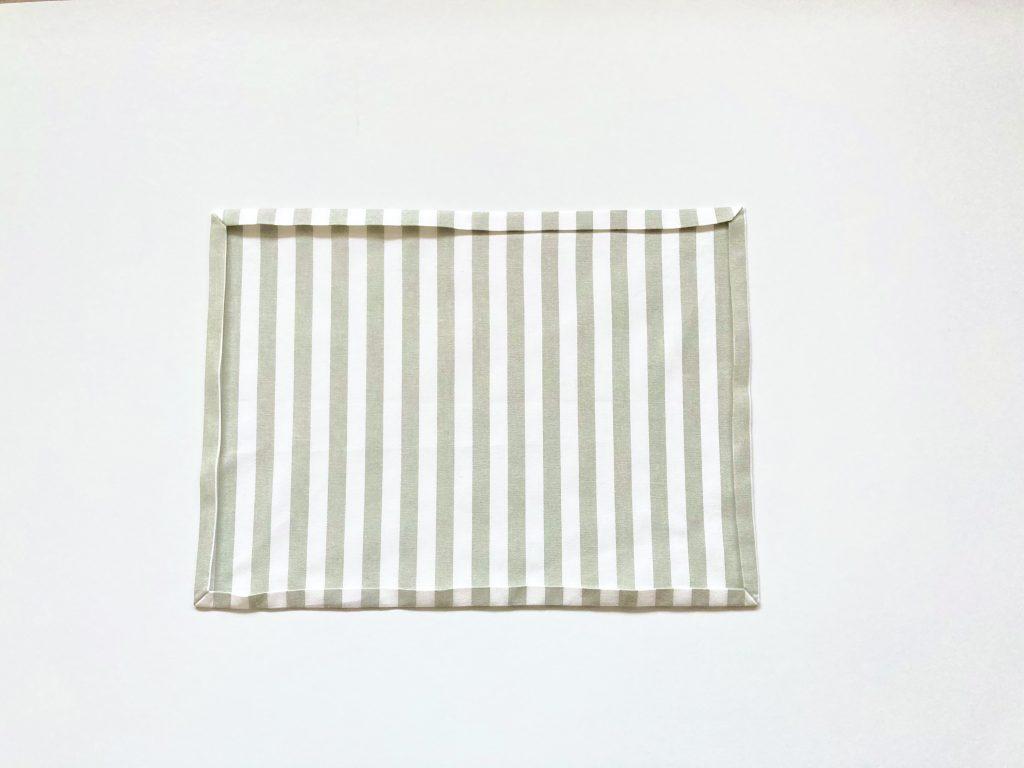 簡単!シンプルな裏地なしランチマットの作り方(額縁縫い)|すべての角を縫う|ハンドメイド初心者のための洋裁メディア縫いナビ|丸石織物