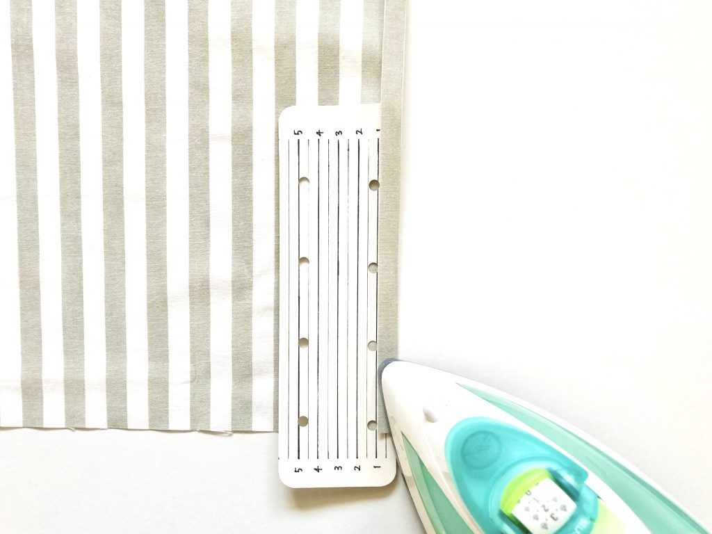 簡単!シンプルな裏地なしランチマットの作り方(額縁縫い)|アイロン定規|ハンドメイド初心者のための洋裁メディア縫いナビ|丸石織物
