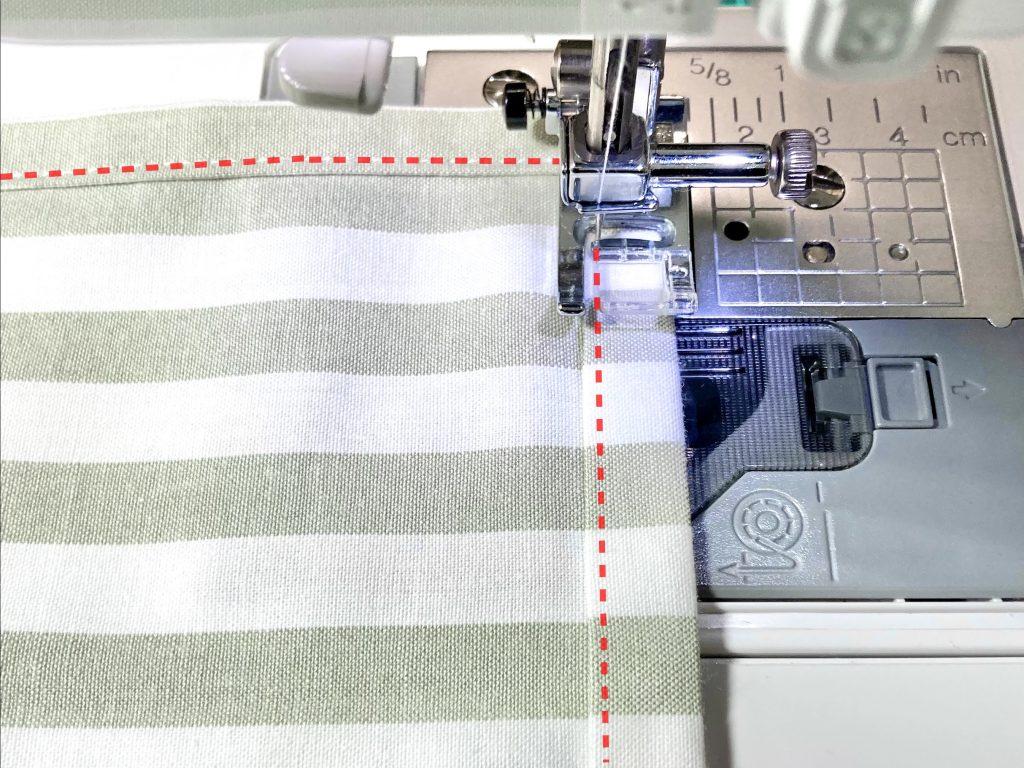 簡単!シンプルな裏地なしランチマットの作り方(額縁縫い)|内側の端から2~3mmのところを縫う|ハンドメイド初心者のための洋裁メディア縫いナビ|丸石織物