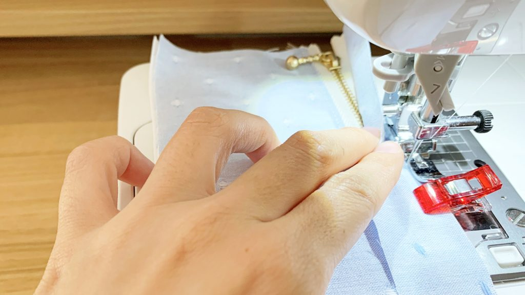 ヘアアクセサリーポーチの作り方|上ファスナーを閉じて縫う|ハンドメイド 初心者のための洋裁メディア縫いナビ|丸石織物