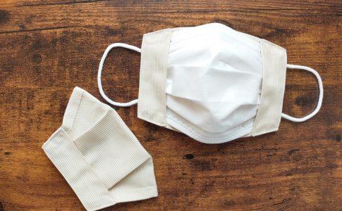 不織布マスクにかぶせるだけ!簡単きれいなマスクカバーの作り方|完成写真|丸石織物|ハンドメイド初心者