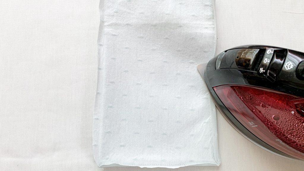 スマホポーチの作り方|裏側の縫い代を割る|ハンドメイド 初心者のための洋裁メディア縫いナビ|丸石織物