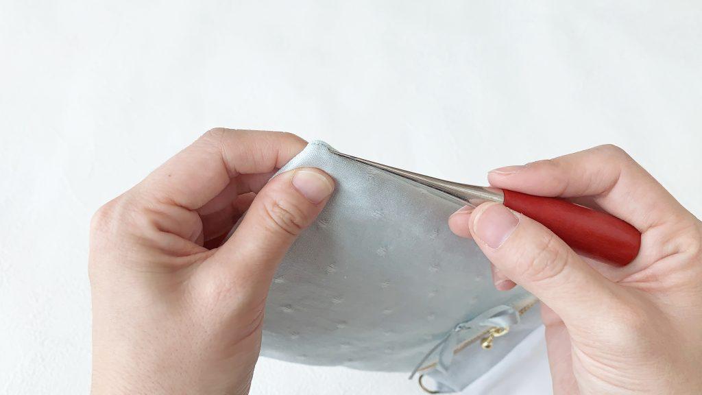 スマホポーチの作り方|目打ちで角を出す|ハンドメイド 初心者のための洋裁メディア縫いナビ|丸石織物