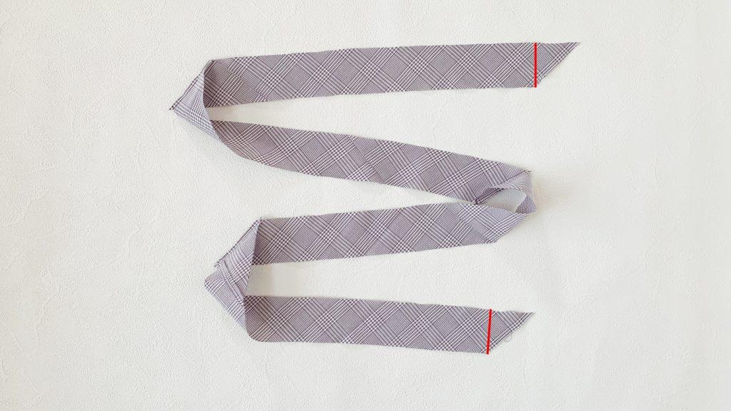 一度に長くできるバイアステープの作り方|ハンドメイド 初心者のための洋裁メディア縫いナビ|丸石織物|斜めの端を切る