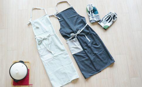 後ろまで布があるエプロンアイキャッチ| ハンドメイド初心者向け洋裁メディア縫いナビ | 丸石織物