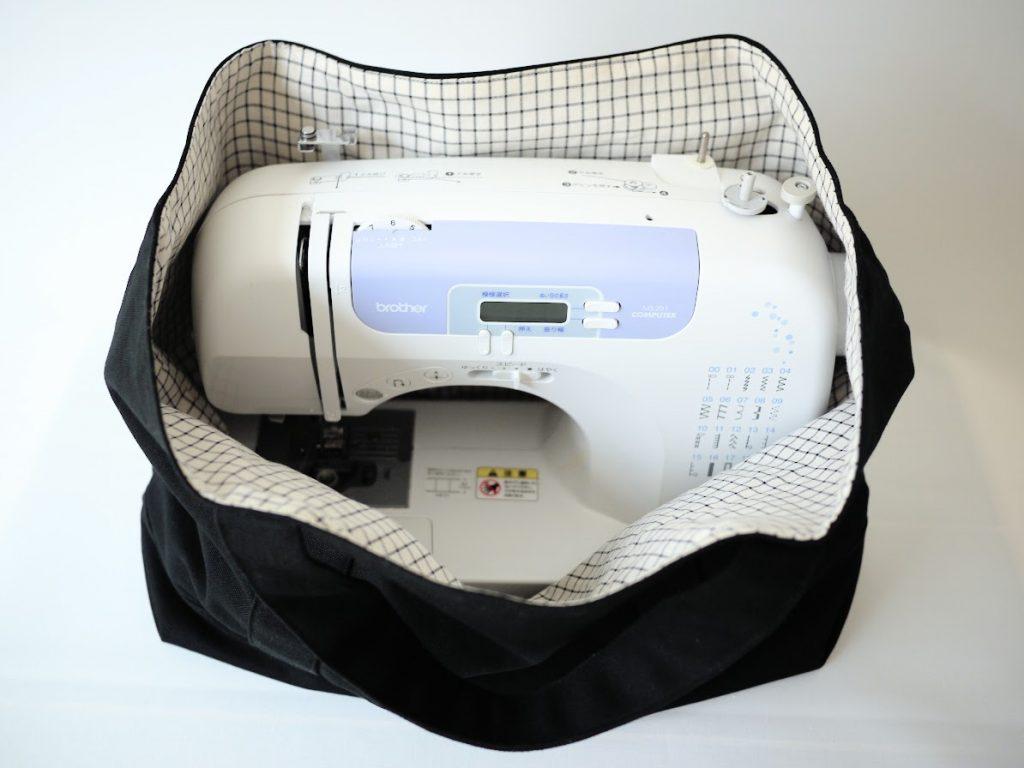 1mの8号帆布で作る!簡単シンプルな外マチ大判トートバッグの作り方|家庭用ミシンを入れたところ|ハンドメイド初心者のための洋裁メディア縫いナビ|丸石織物